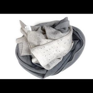 Wool and cashmere wrap